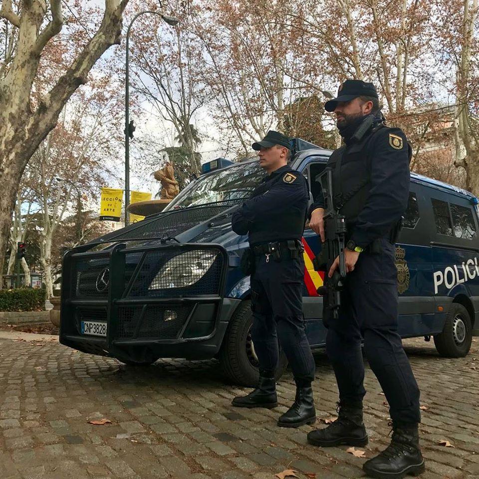 LA POLICÍA DETIENE A LOS AUTORES DEL ROBO EN UNA VIVIENDA DEL RINCONCILLO MIENTRAS SUS PROPIETARIOS DORMÍAN