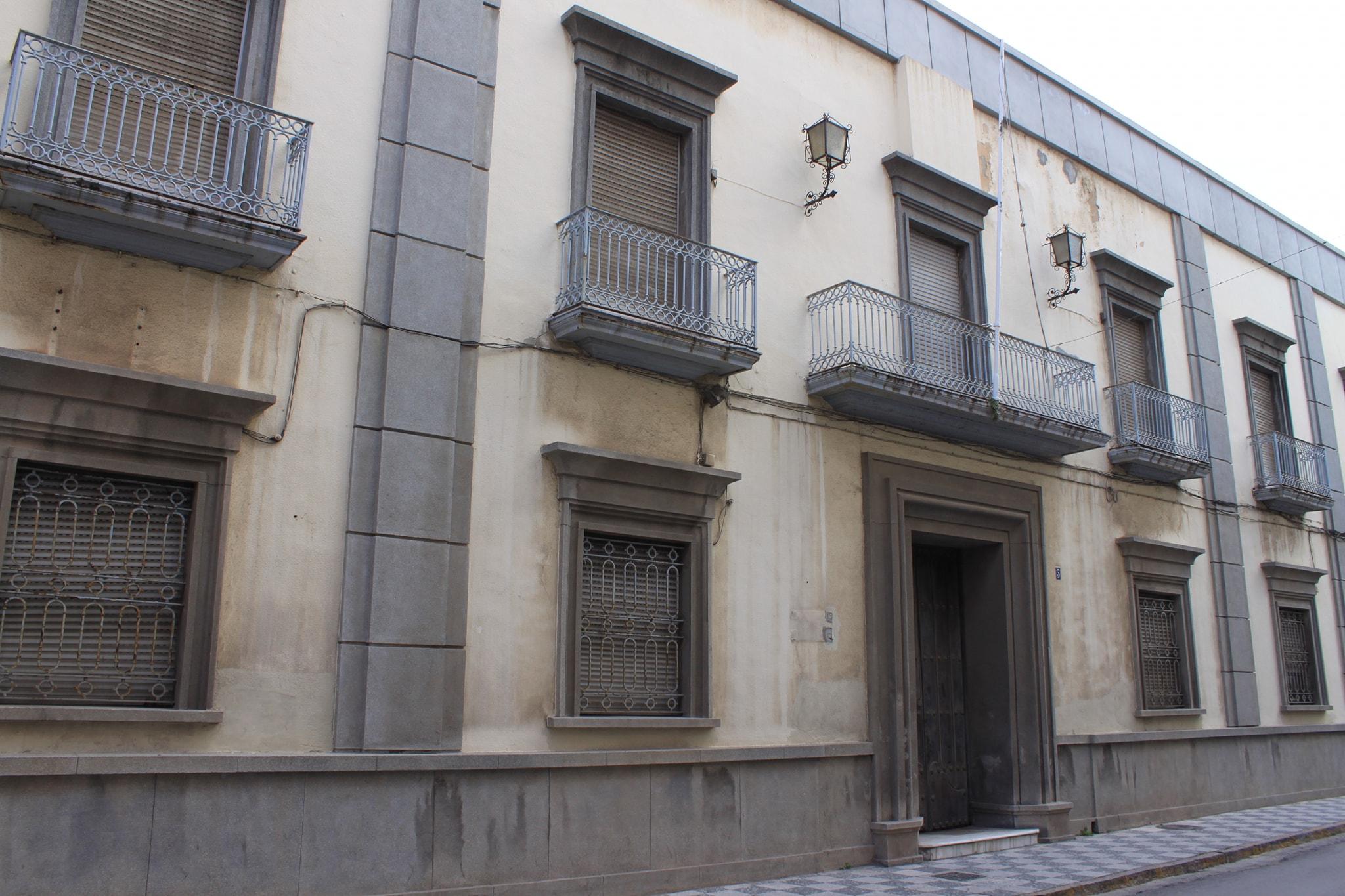 EL PLENO DE ALGECIRAS APRUEBA EL CONVENIO CON DEFENSA PARA LA RECUPERACIÓN DEL ANTIGUO GOBIERNO MILITAR