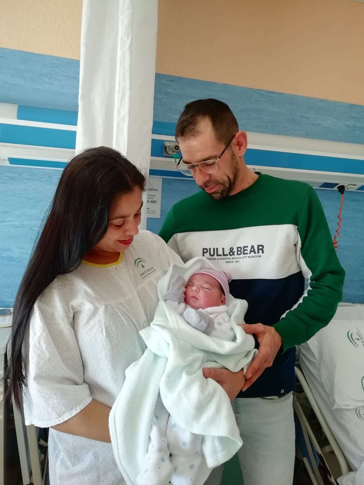 Padres primer bebé del año