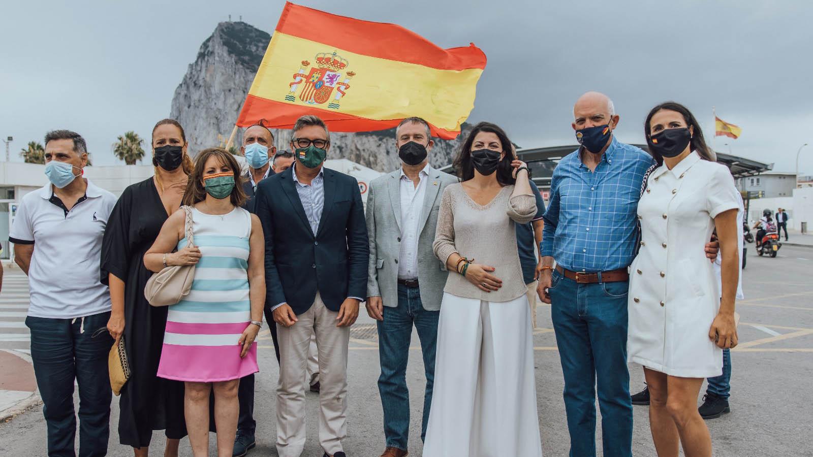 VOX RECLAMA EN LA VERJA LA SOBERANÍA ESPAÑOLA SOBRE GIBRALTAR